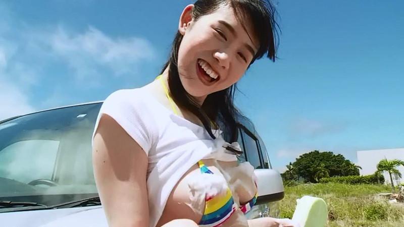 【石神澪キャプ画像】色白Fカップボディに真っ赤なビキニがエロい! 12
