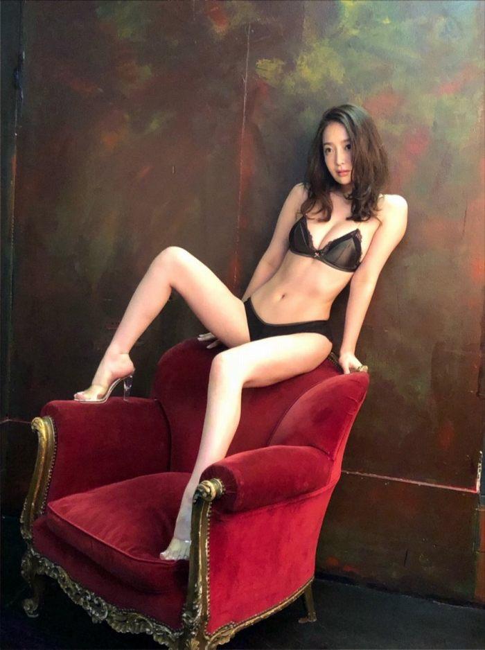 【竹内渉エロ画像】三十路を越えてファースト写真集を発売した美尻自慢の美女 27
