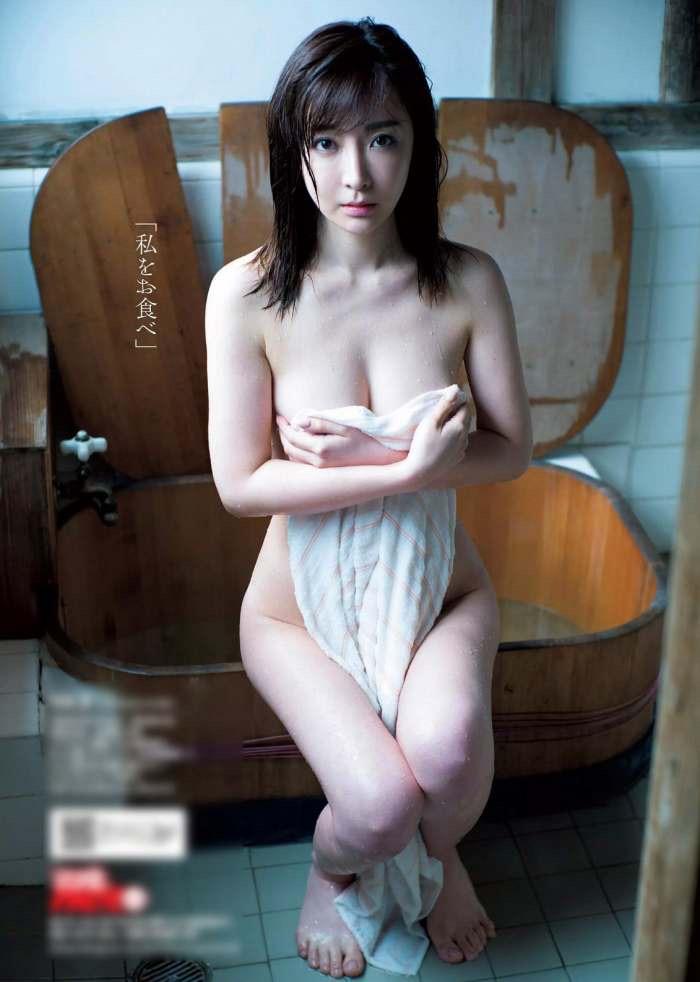 【竹内渉エロ画像】三十路を越えてファースト写真集を発売した美尻自慢の美女 33
