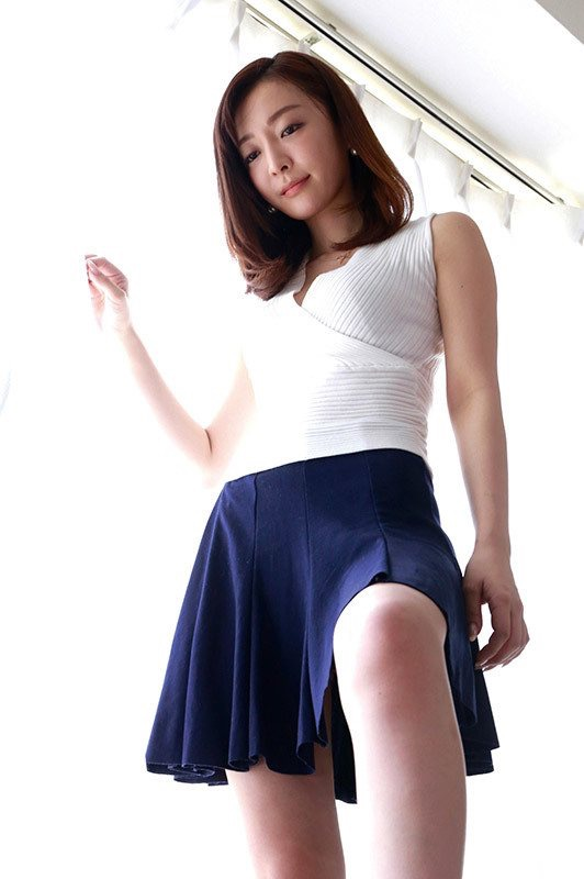 【竹内渉エロ画像】三十路を越えてファースト写真集を発売した美尻自慢の美女 47
