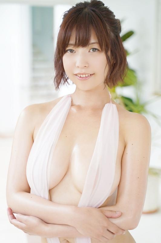 【月野夏海エロ画像】Gカップ巨乳の童顔系グラドルがセクシーに育ったね 25
