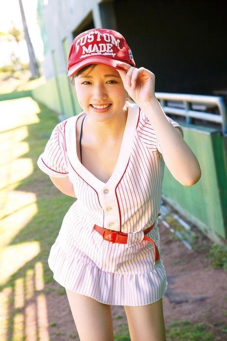 【安藤咲桜グラビア画像】釣りが出来る元アイドルのちょいエロ水着姿 04