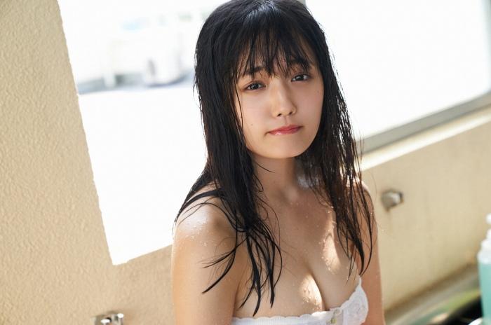 【安藤咲桜グラビア画像】釣りが出来る元アイドルのちょいエロ水着姿 49