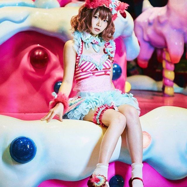 【えなこコスプレ画像】アニメコスプレがどれもこれも可愛くて衣装も気合が入ってる! 79