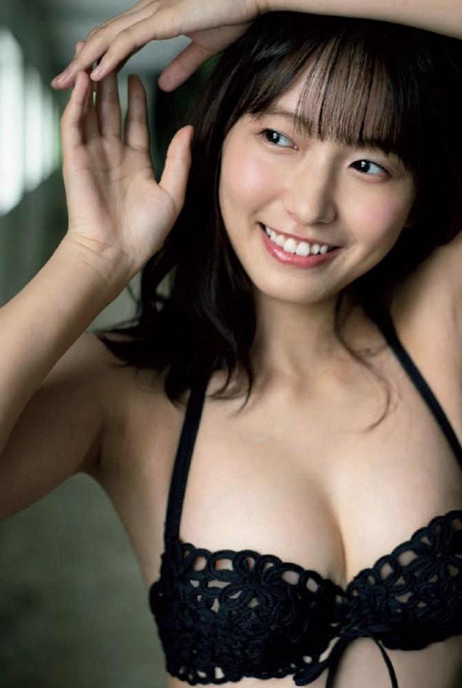 【志田音々グラビア画像】笑顔と谷間が眩しい現役女子大生グラドル! 62