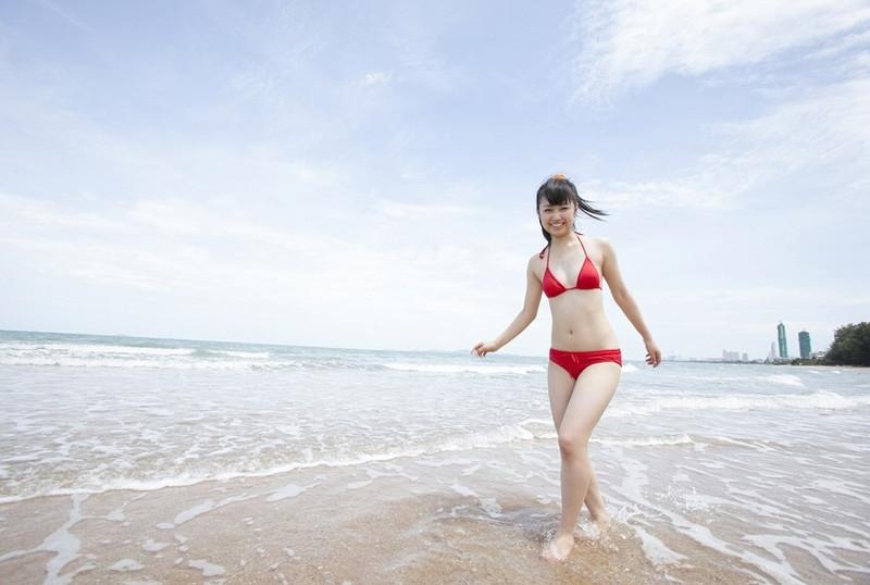 【伊倉愛美グラビア画像】ももクロ初期アイドルの可愛くチョイエロな水着姿 06