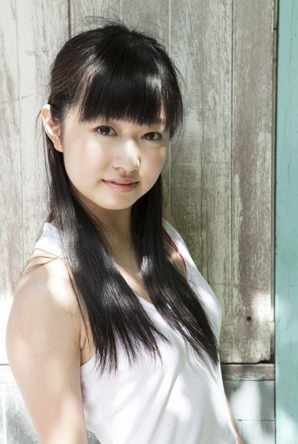 【伊倉愛美グラビア画像】ももクロ初期アイドルの可愛くチョイエロな水着姿 11
