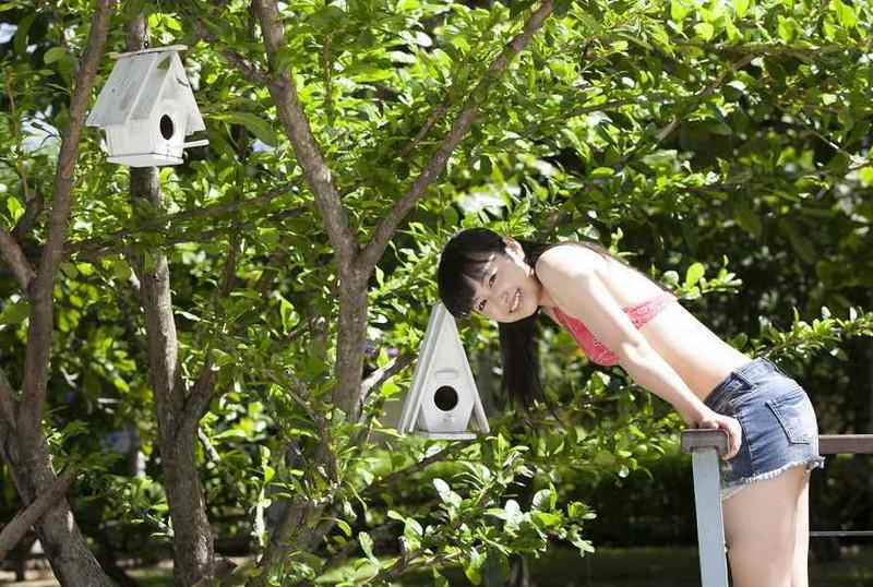 【伊倉愛美グラビア画像】ももクロ初期アイドルの可愛くチョイエロな水着姿 16