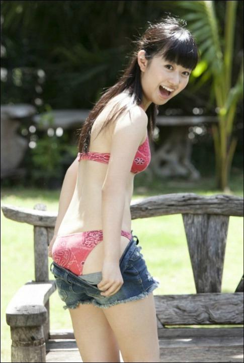 【伊倉愛美グラビア画像】ももクロ初期アイドルの可愛くチョイエロな水着姿 18