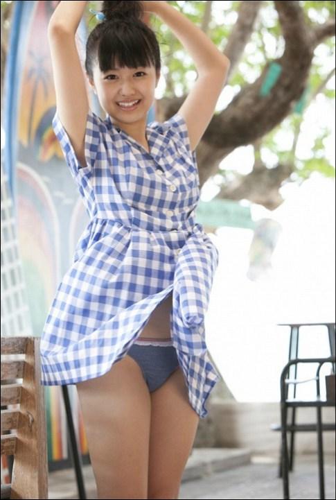【伊倉愛美グラビア画像】ももクロ初期アイドルの可愛くチョイエロな水着姿 34