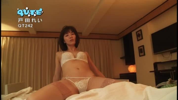 【戸田れいキャプ画像】美熟女グラドルがラストDVDで卒業するって!? 34