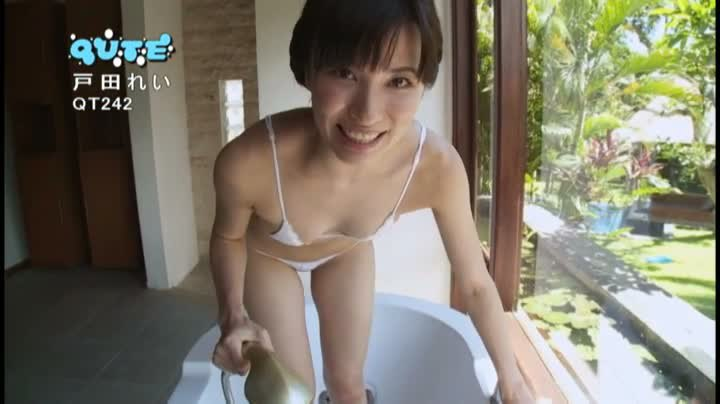 【戸田れいキャプ画像】美熟女グラドルがラストDVDで卒業するって!? 37