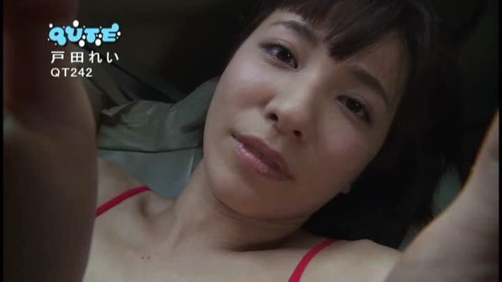 【戸田れいキャプ画像】美熟女グラドルがラストDVDで卒業するって!? 47