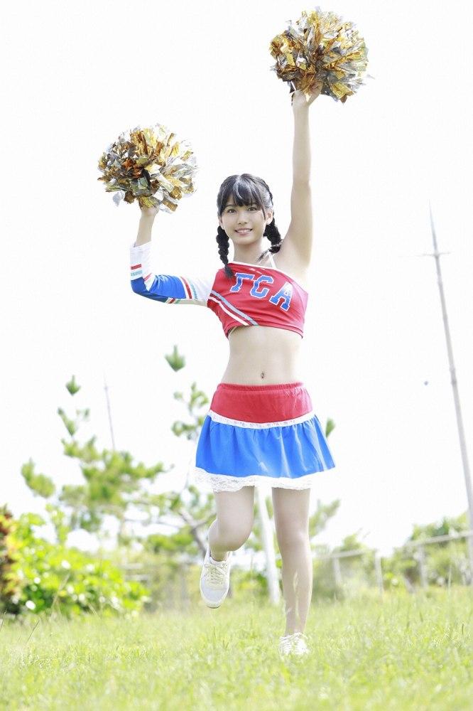 【朝日ななみグラビア画像】清純系美少女タレントのスレンダーなビキニ姿 24
