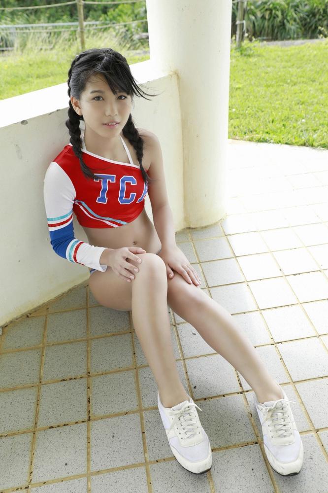 【朝日ななみグラビア画像】清純系美少女タレントのスレンダーなビキニ姿 27