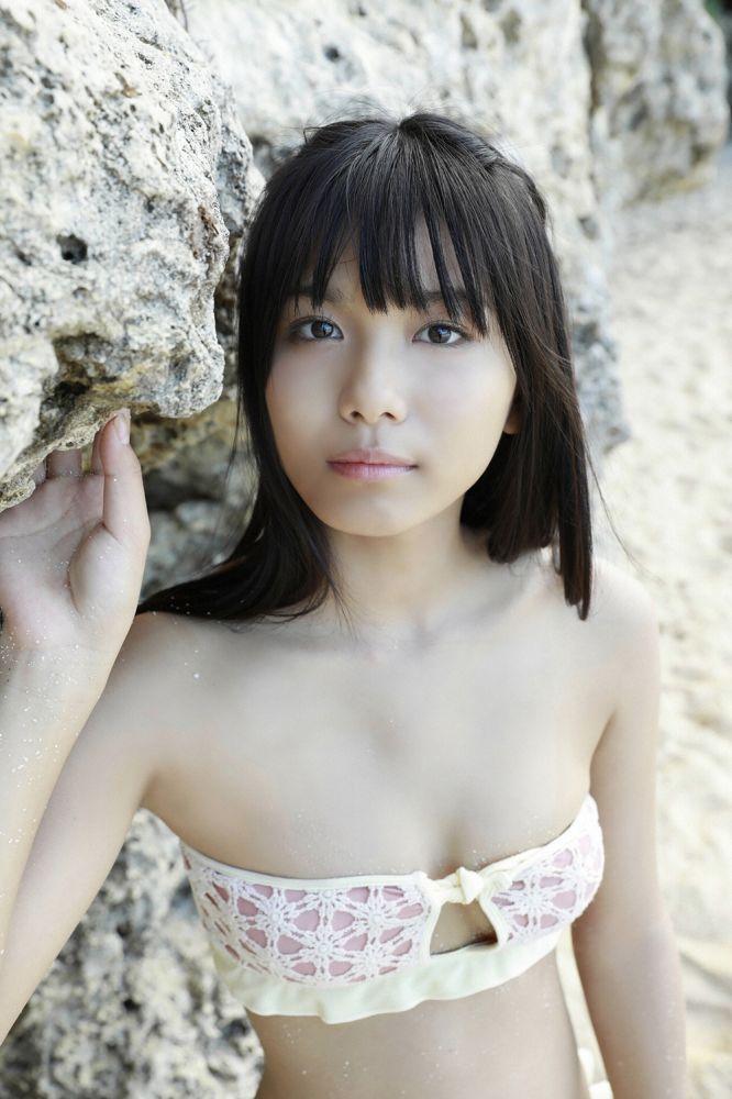 【朝日ななみグラビア画像】清純系美少女タレントのスレンダーなビキニ姿 40