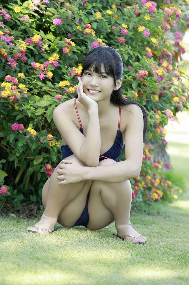 【朝日ななみグラビア画像】清純系美少女タレントのスレンダーなビキニ姿 46