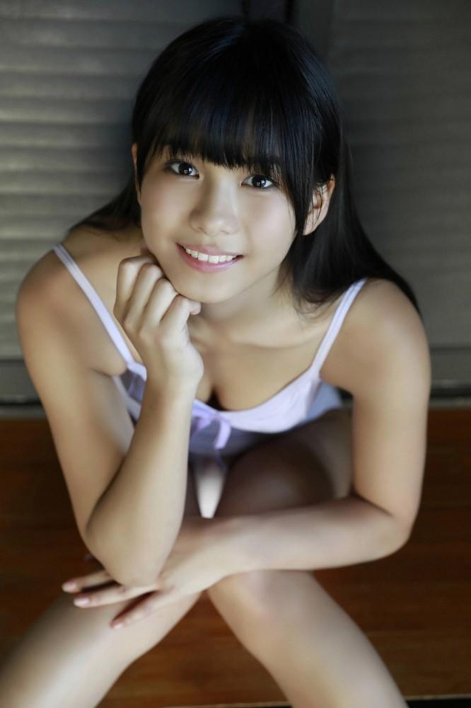 【朝日ななみグラビア画像】清純系美少女タレントのスレンダーなビキニ姿 56