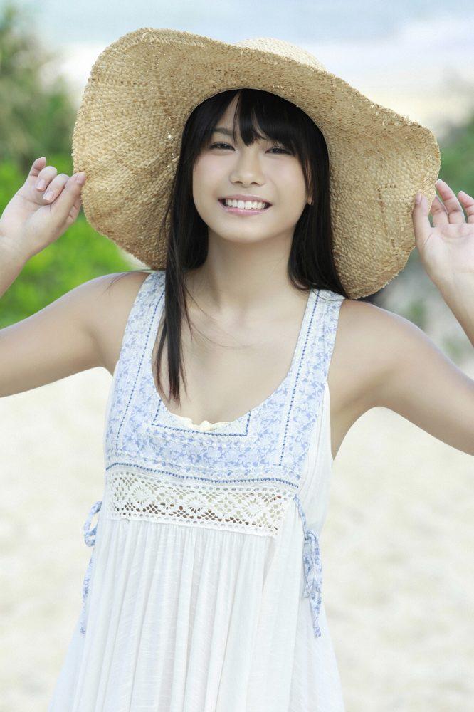 【朝日ななみグラビア画像】清純系美少女タレントのスレンダーなビキニ姿 61