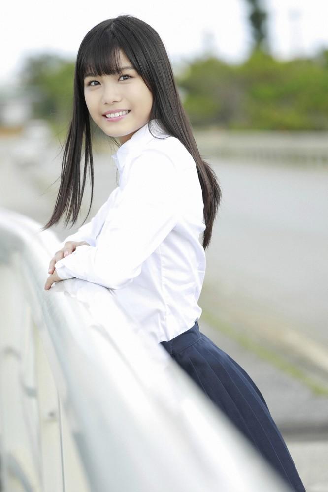 【朝日ななみグラビア画像】清純系美少女タレントのスレンダーなビキニ姿 62