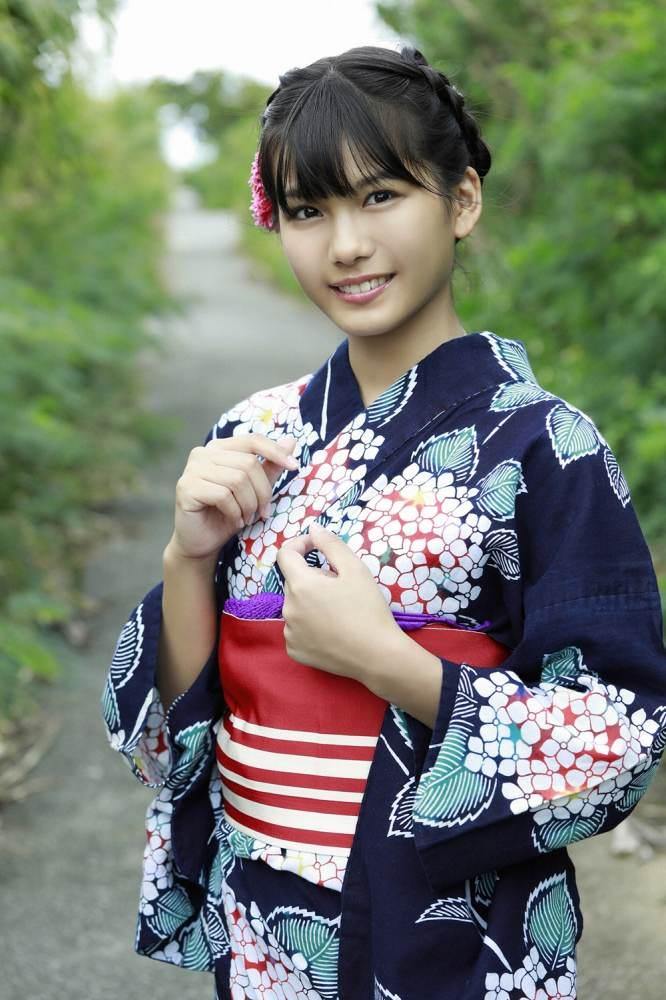 【朝日ななみグラビア画像】清純系美少女タレントのスレンダーなビキニ姿 74