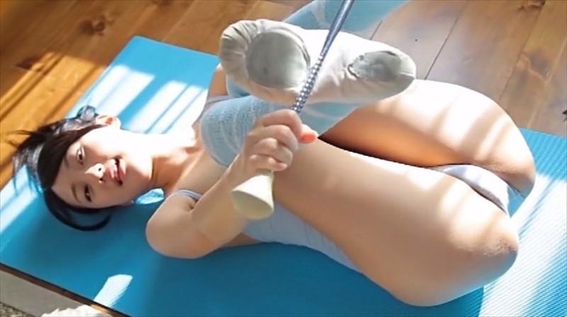 【尾崎愛花お宝画像】ジュニアアイドルで頑張っていた童顔娘のエッチな姿 33