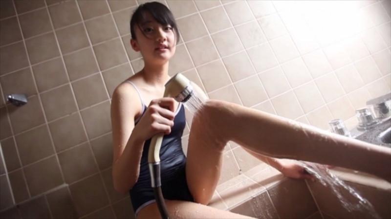 【尾崎愛花お宝画像】ジュニアアイドルで頑張っていた童顔娘のエッチな姿 58