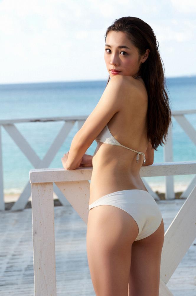【石田安奈グラビア画像】元SKE48アイドルのセクシーなビキニ水着姿 36