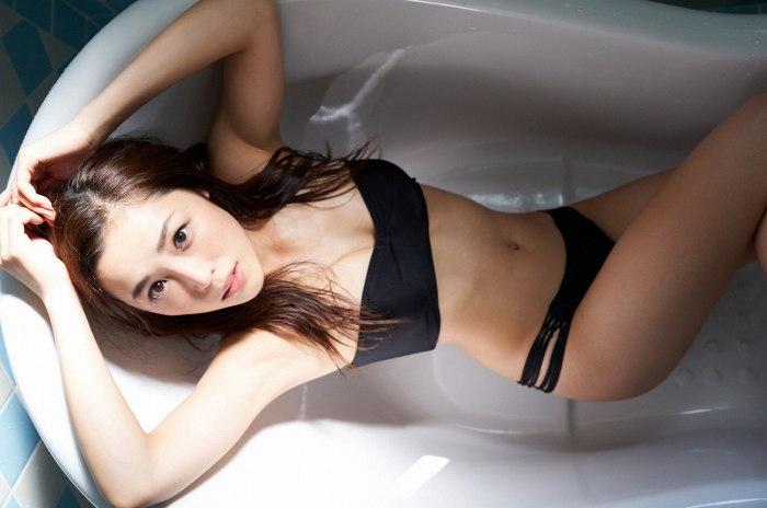 【石田安奈グラビア画像】元SKE48アイドルのセクシーなビキニ水着姿 46