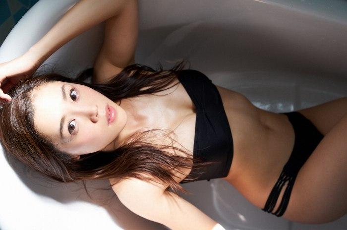【石田安奈グラビア画像】元SKE48アイドルのセクシーなビキニ水着姿 47