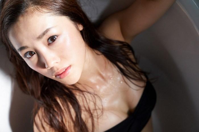 【石田安奈グラビア画像】元SKE48アイドルのセクシーなビキニ水着姿 49