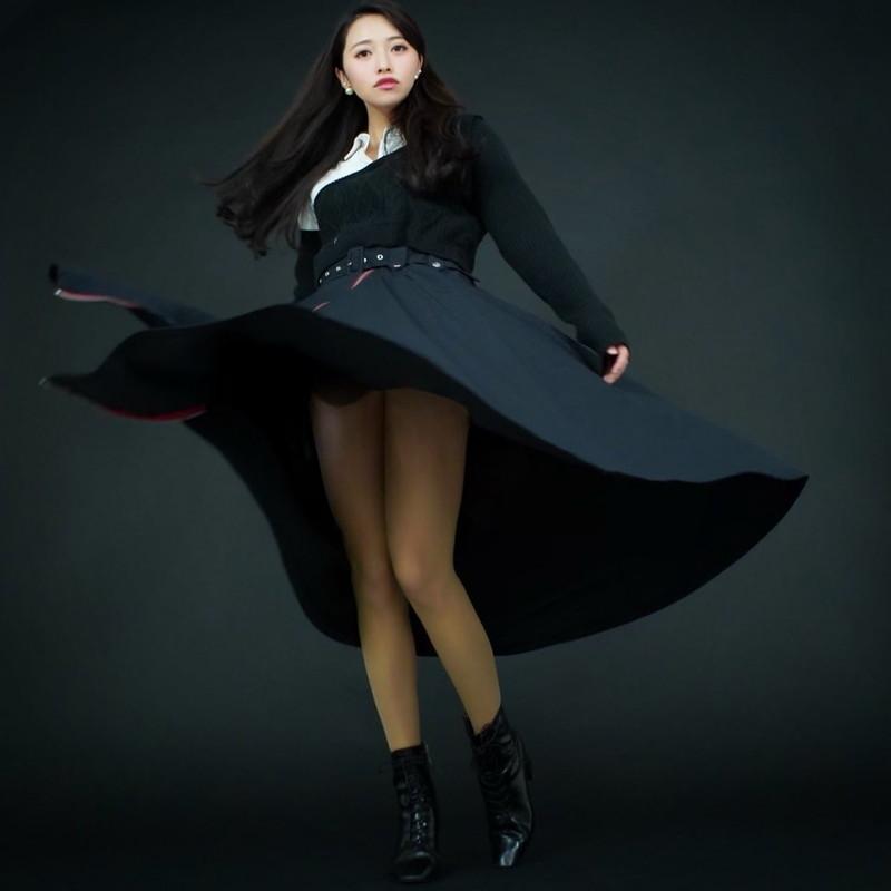 【黒澤ゆりかエロ画像】世界一スカートをめくられた女ってインパクトあるなw 65
