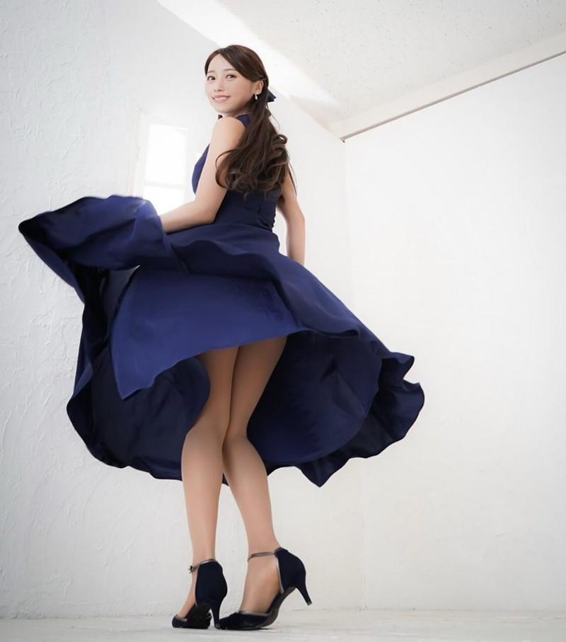 【黒澤ゆりかエロ画像】世界一スカートをめくられた女ってインパクトあるなw 68