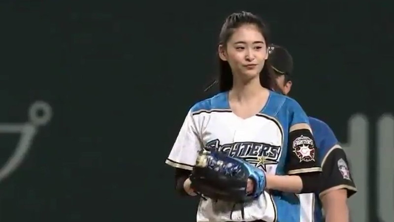 【柳美稀エロ画像】ジュウオウジャーや賭ケグルイで注目されたモデル女優 16