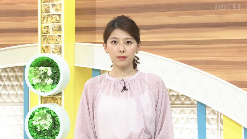 【上村彩子キャプ画像】スケスケシースルーを見せつけるエロ女子アナwwww 22