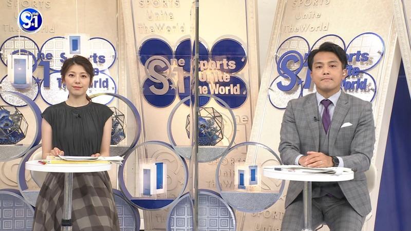 【上村彩子キャプ画像】スケスケシースルーを見せつけるエロ女子アナwwww 33