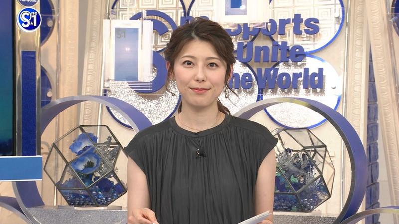【上村彩子キャプ画像】スケスケシースルーを見せつけるエロ女子アナwwww 34