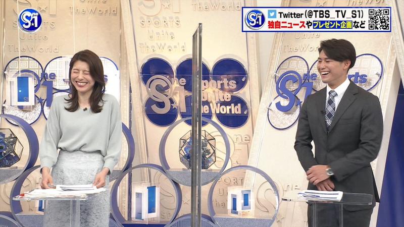 【上村彩子キャプ画像】スケスケシースルーを見せつけるエロ女子アナwwww 46