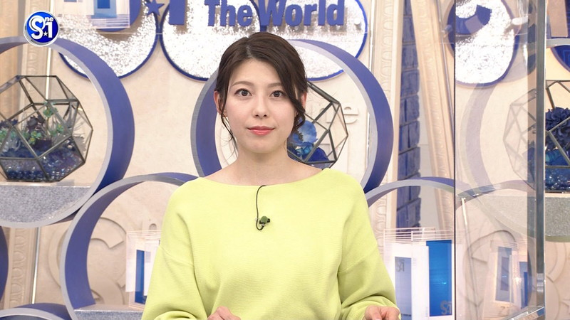 【上村彩子キャプ画像】スケスケシースルーを見せつけるエロ女子アナwwww 77