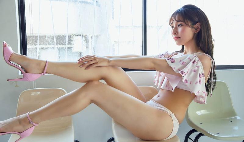 【栗原紗英グラビア画像】可愛さの中にセクシーさも混在しているアイドル