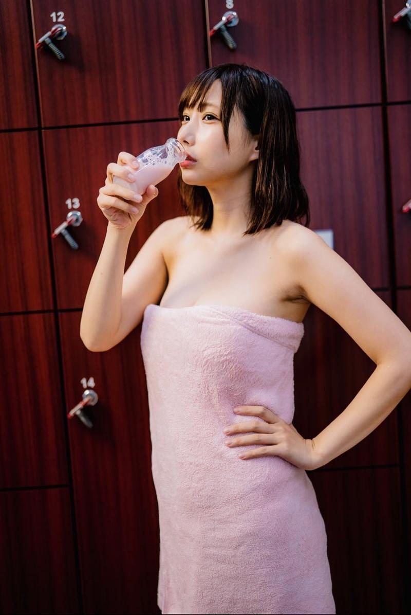 【花咲来夢エロ画像】スレンダー爆乳ボディがめちゃシコれるコスプレイヤー 42