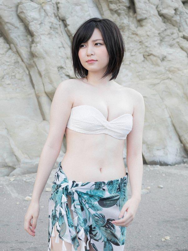 【岩田華怜グラビア画像】カワイイとセクシー両方持ってる元アイドルの水着姿 15
