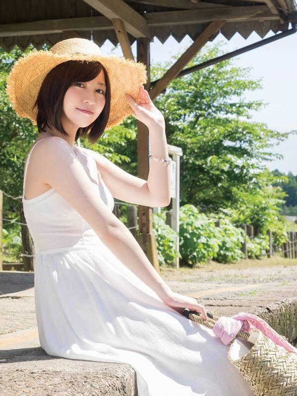 【岩田華怜グラビア画像】カワイイとセクシー両方持ってる元アイドルの水着姿 37