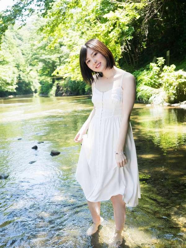 【岩田華怜グラビア画像】カワイイとセクシー両方持ってる元アイドルの水着姿 46