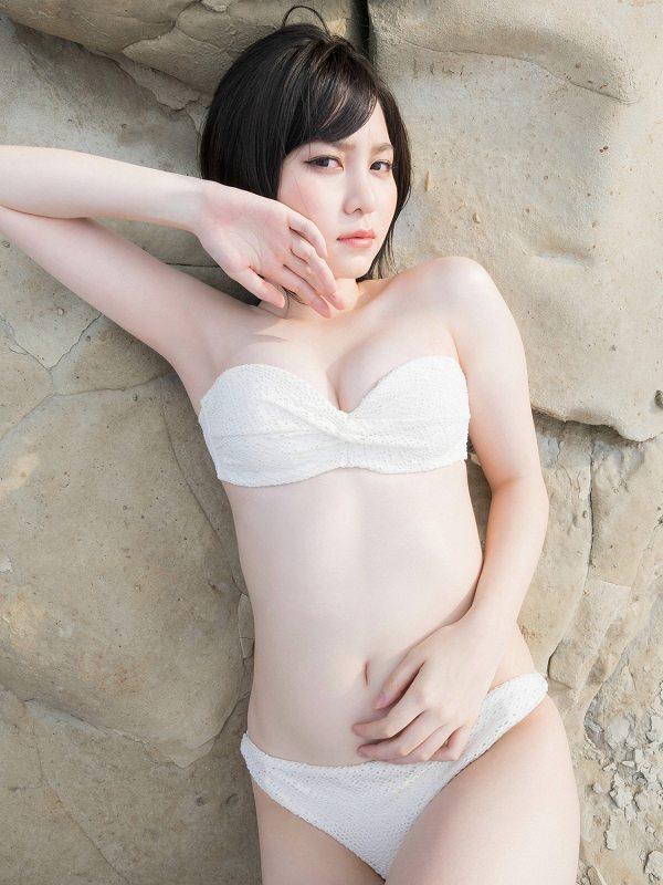 【岩田華怜グラビア画像】カワイイとセクシー両方持ってる元アイドルの水着姿 52