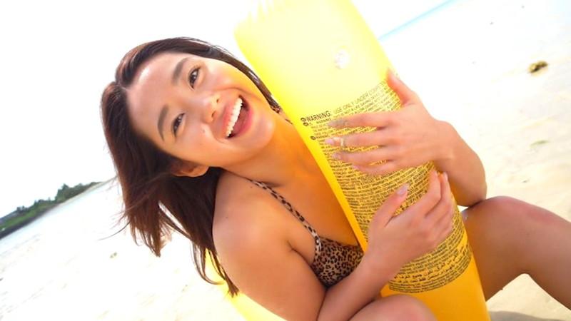 【白波瀬海来キャプ画像】ウォータースポーツで培った小麦肌がエロい! 09