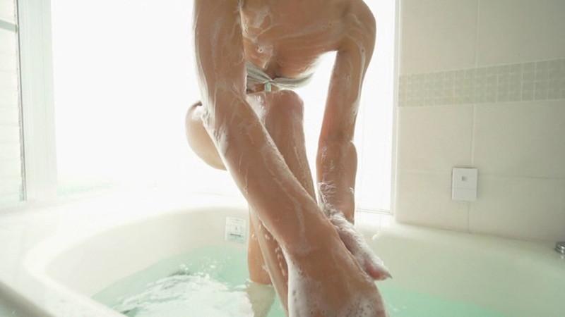 【白波瀬海来キャプ画像】ウォータースポーツで培った小麦肌がエロい! 34