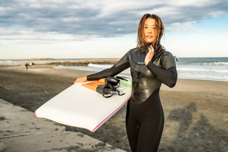 【白波瀬海来キャプ画像】ウォータースポーツで培った小麦肌がエロい! 65