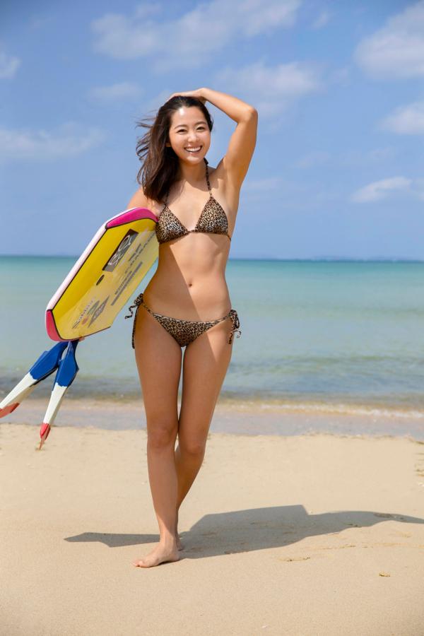 【白波瀬海来キャプ画像】ウォータースポーツで培った小麦肌がエロい! 78