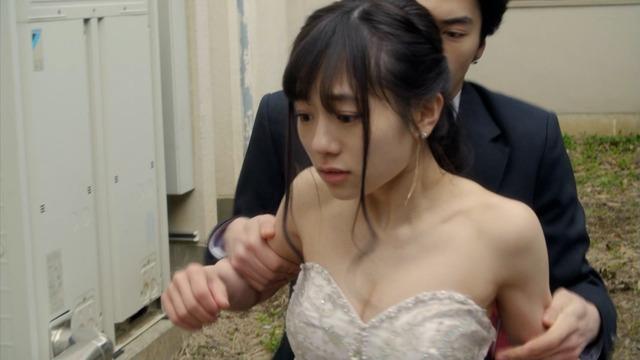 【伊藤萌々香キャプ画像】アイドルだった若手女優のちょっとセクシーなシーン 09